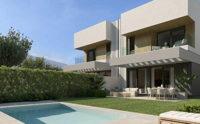 Doppelhaushälfte mit Pool